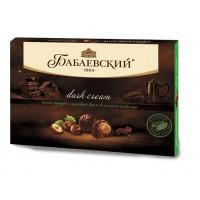 """糖果""""BABAEV»暗霜全榛子榛子奶油散裝黑巧克力"""