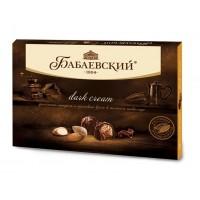 """糖果""""BABAEV»暗霜的散裝黑巧克力碎杏仁榛子奶油"""