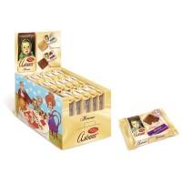 饼干Alenka牛奶巧克力口味的拳击节目总值